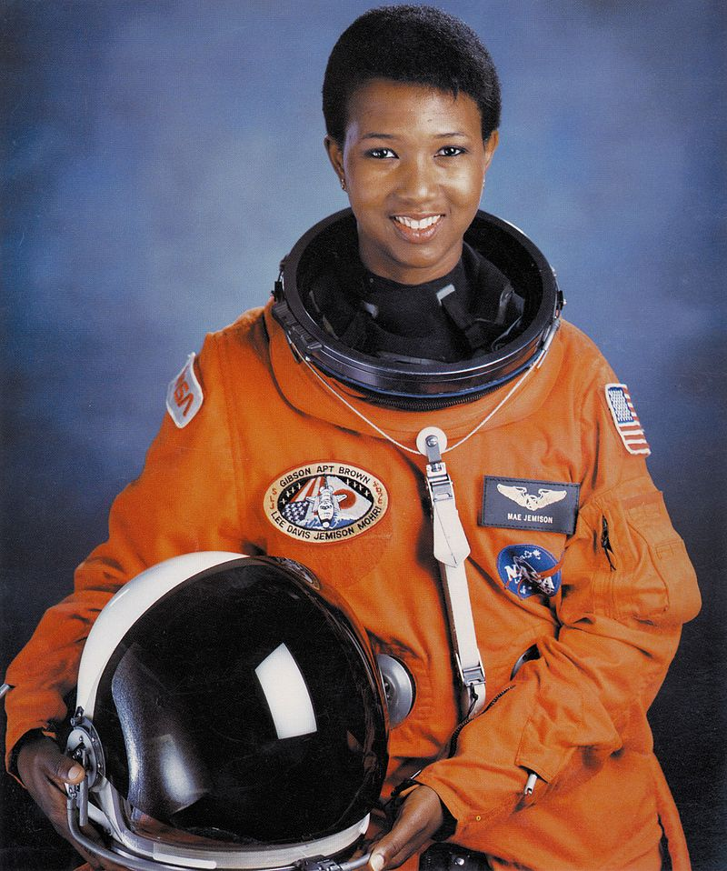 800px-Dr._Mae_C._Jemison,_First_African-American_Woman_in_Space_-_GPN-2004-00020